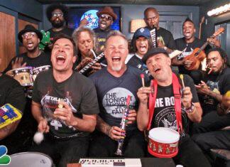 """I Metallica, ospiti al """"The Tonight Show"""" di Jimmy Fallon, eseguono una versione insolita e divertente di """"Enter Sandman""""."""